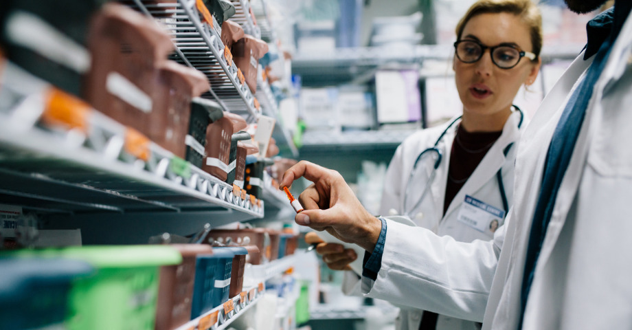 6 Ways Local Pharmacies Can Thrive Among Giants