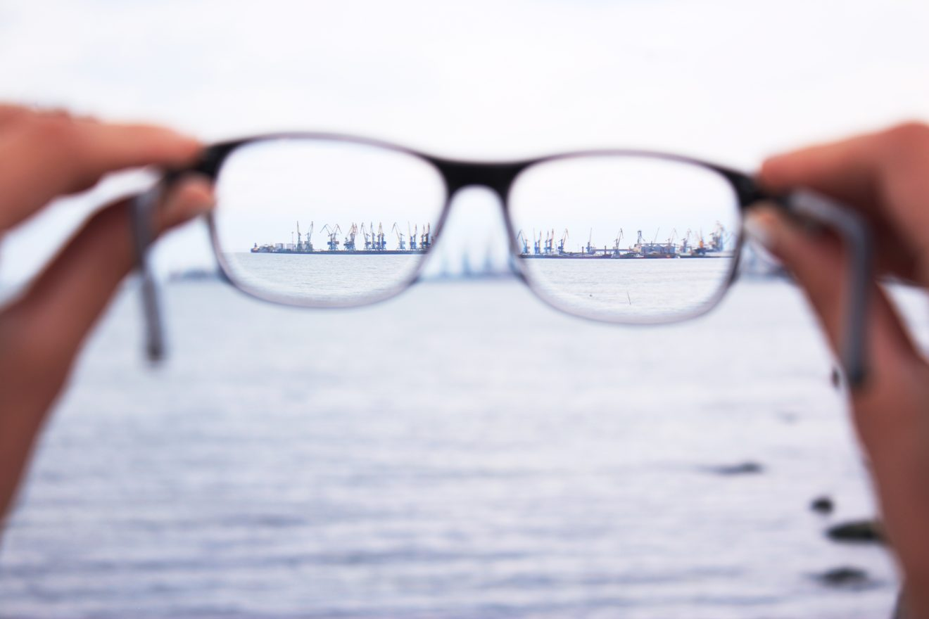 eyeglasses bringing city into focus - better patient relationships
