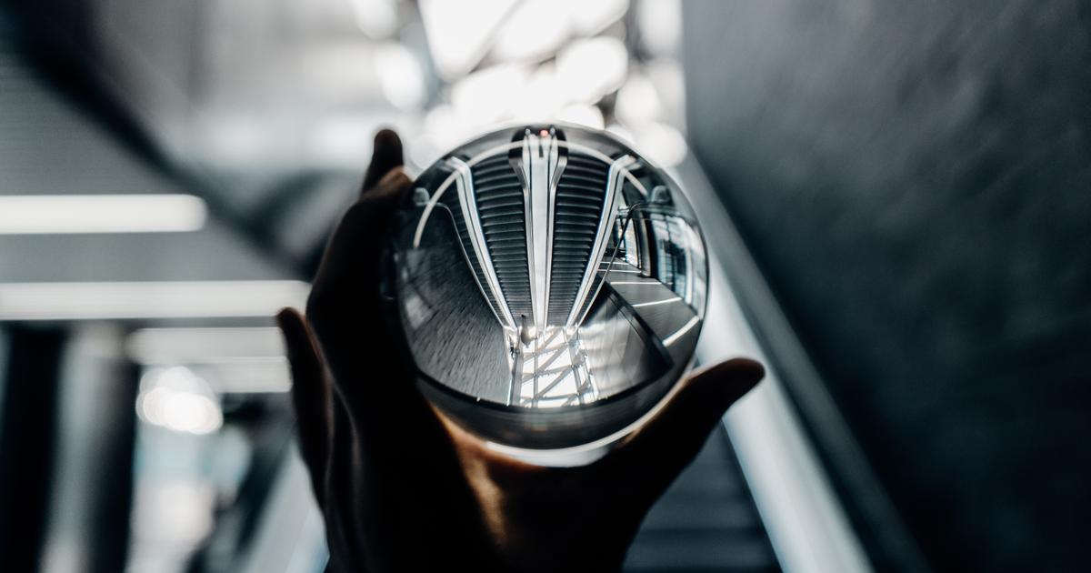 glass ball - escalator - covid19 webinar