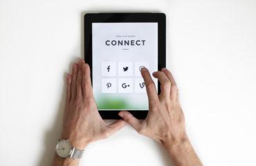 social media - ipad - tablet
